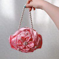 パーティーバッグ風なバラ型のバッグ