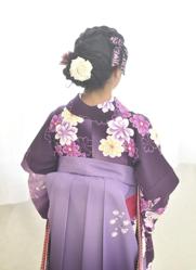 小学校の卒業式袴に合わせた髪型 お団子ヘア後ろ姿