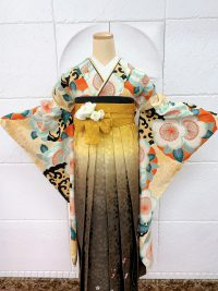 卒業袴ベージュ着物黄色暗こげ茶グラデーション桜地模様桜刺繍 大人渋可愛いレトロ