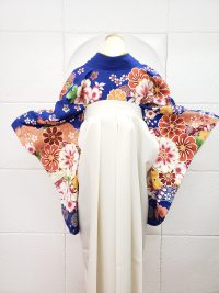 卒業袴青着物白袴 コントラストはっきりめクール可愛い